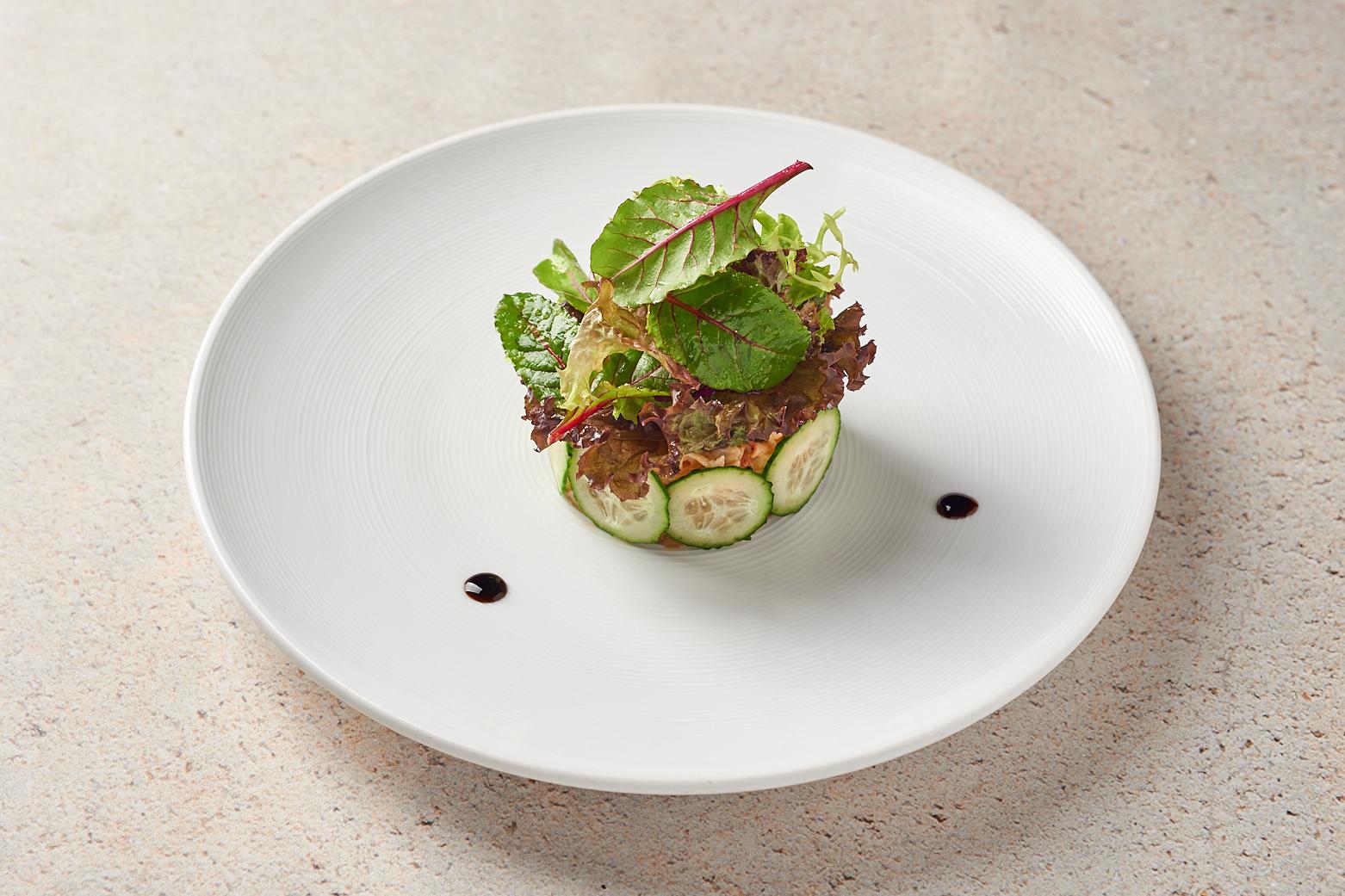 Икра из баклажанов с крабом под трюфельным соусом «Юдзу»